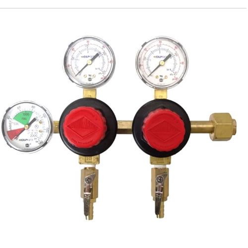 Two keg regulator with knobs